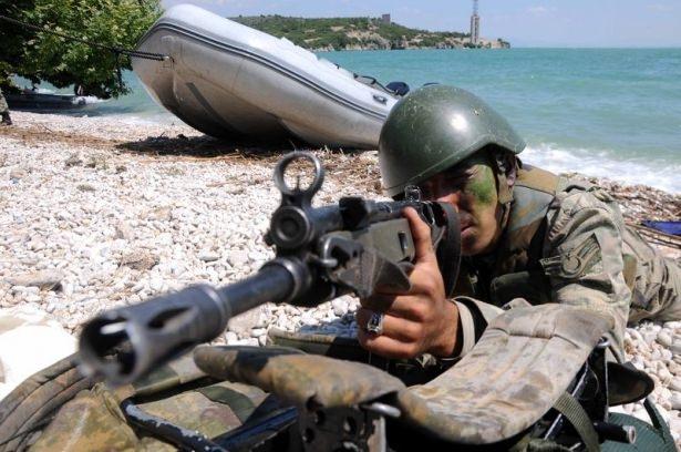 Türk komandosunun zorlu eğitimi 23