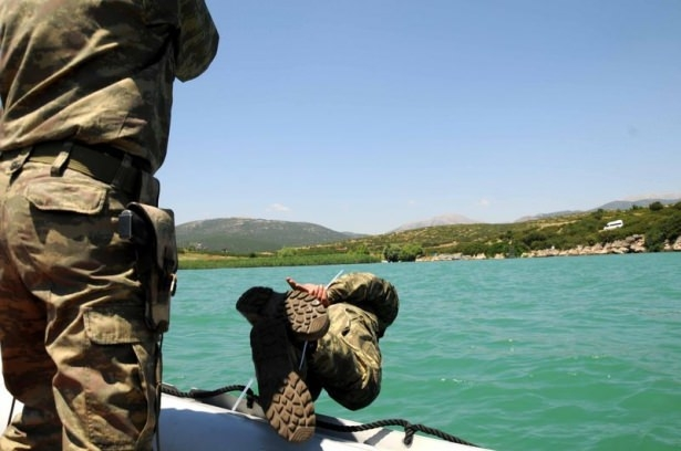 Türk komandosunun zorlu eğitimi 25