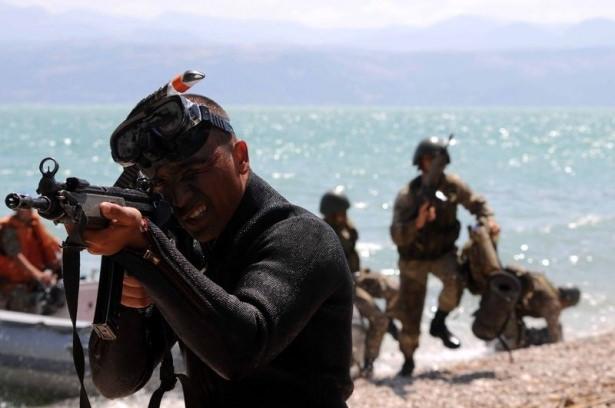 Türk komandosunun zorlu eğitimi 27