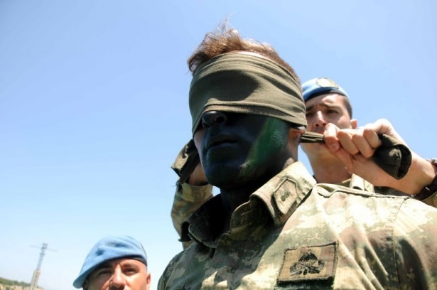 Türk komandosunun zorlu eğitimi 8