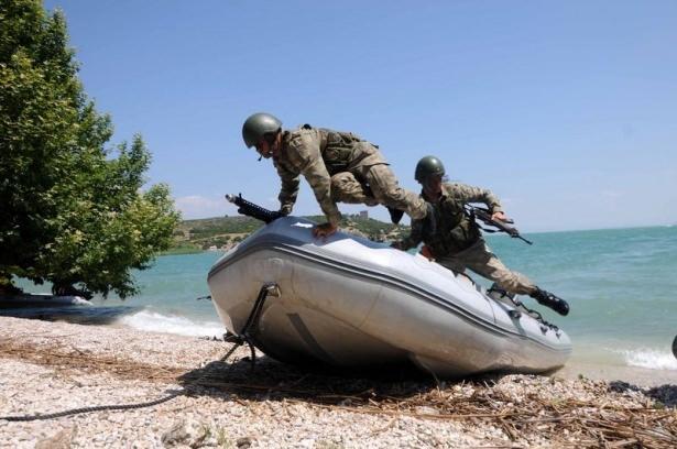 Türk komandosunun zorlu eğitimi 9