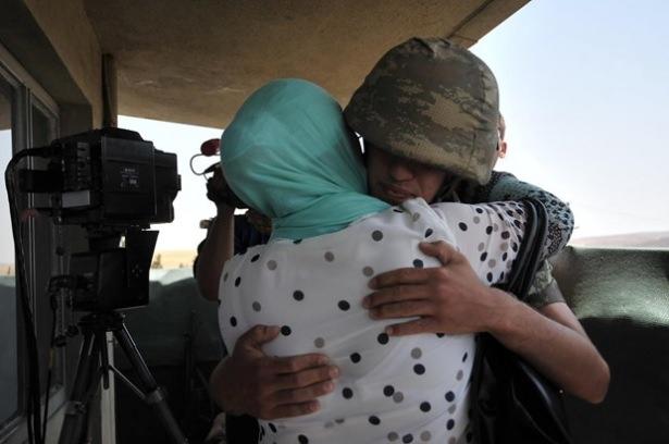 Suriye sınırındaki Mehmetçik'e bayram sürprizi 19