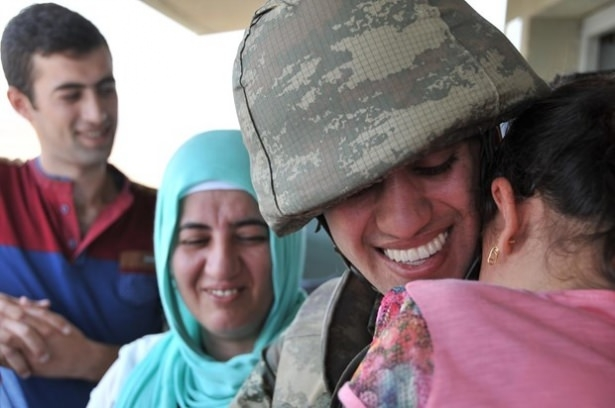 Suriye sınırındaki Mehmetçik'e bayram sürprizi 2