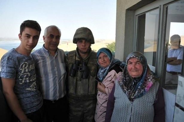 Suriye sınırındaki Mehmetçik'e bayram sürprizi 20
