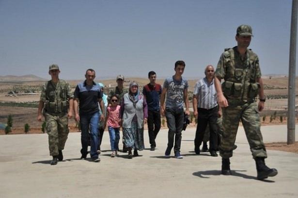 Suriye sınırındaki Mehmetçik'e bayram sürprizi 34