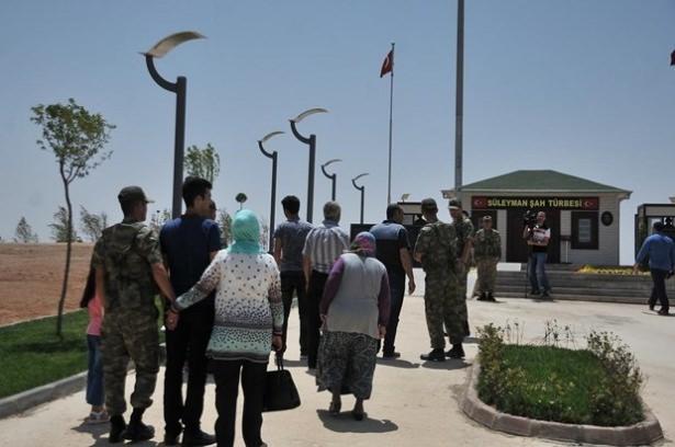Suriye sınırındaki Mehmetçik'e bayram sürprizi 36