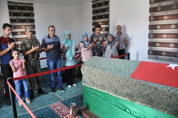 Suriye sınırındaki Mehmetçik'e bayram sürprizi 39