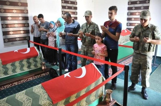 Suriye sınırındaki Mehmetçik'e bayram sürprizi 40