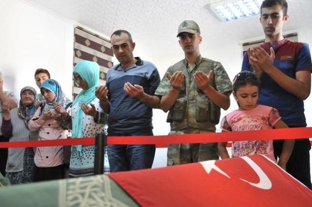 Suriye sınırındaki Mehmetçik'e bayram sürprizi 8