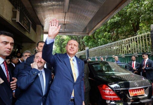 Erdoğan Endonezya'da Cuma namazı kıldı 14