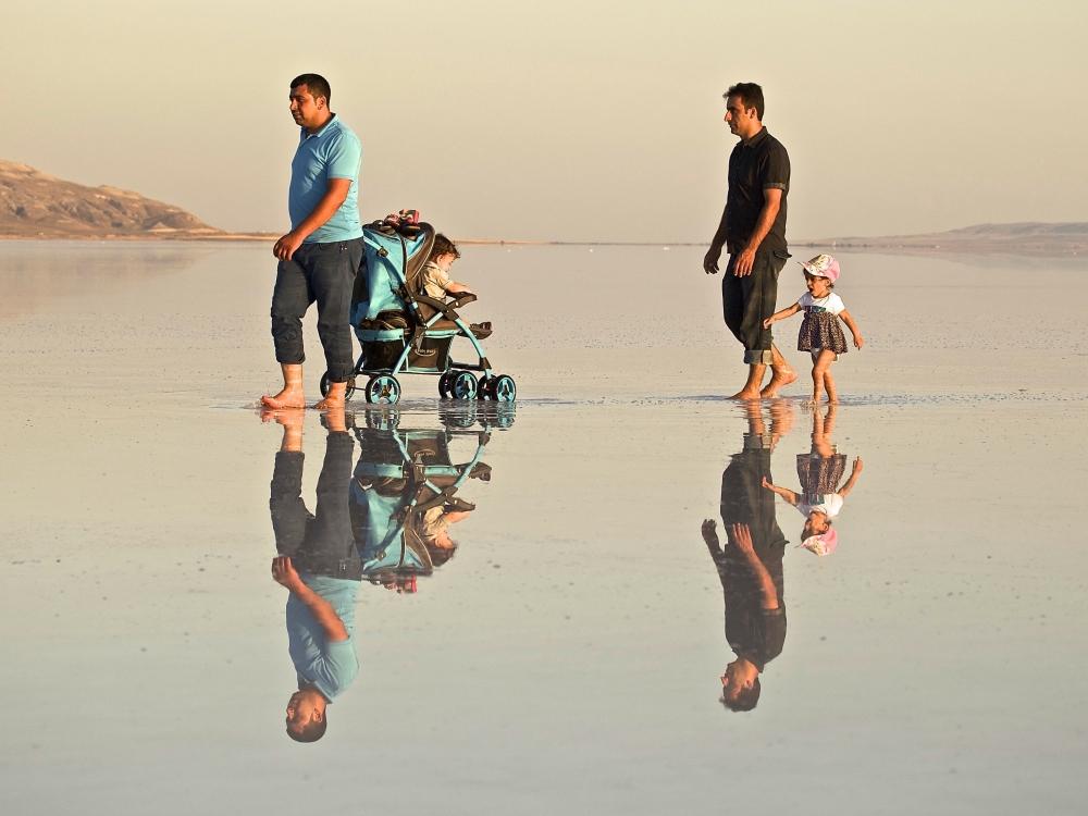 Tuz Gölü'ne tatilcilerinden büyük ilgi 12