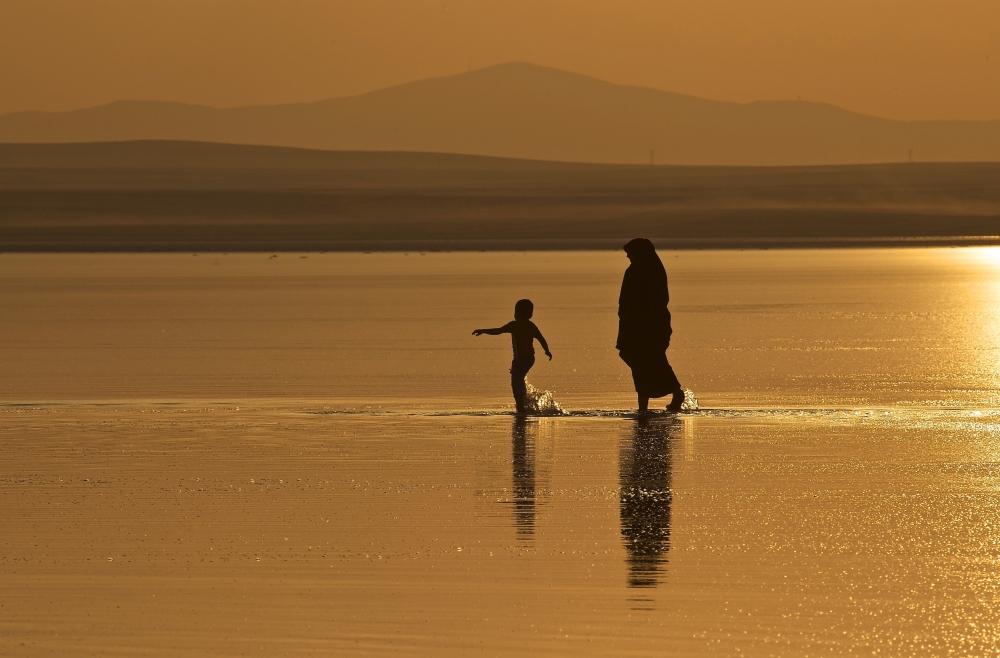 Tuz Gölü'ne tatilcilerinden büyük ilgi 13