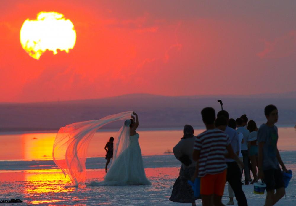 Tuz Gölü'ne tatilcilerinden büyük ilgi 4