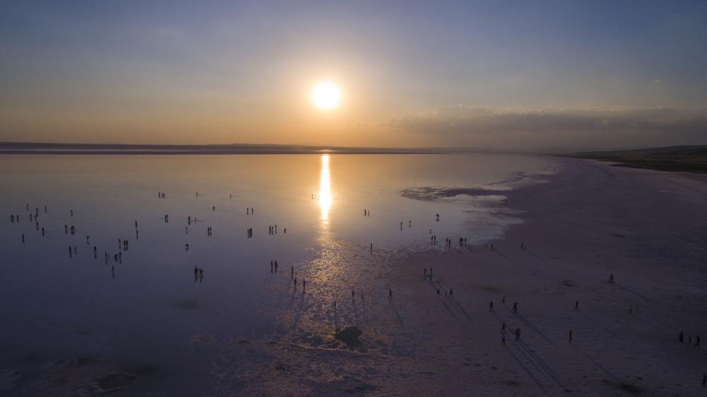Tuz Gölü'ne tatilcilerinden büyük ilgi 7