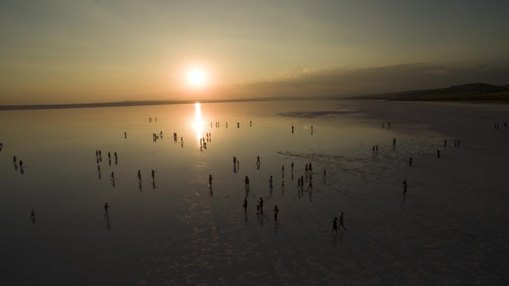 Tuz Gölü'ne tatilcilerinden büyük ilgi 9