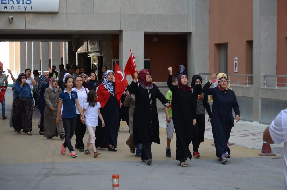 Şehit yakınlarından teröre protesto 2