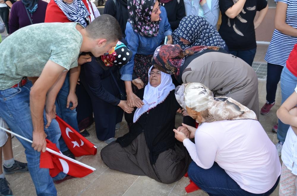 Şehit yakınlarından teröre protesto 7