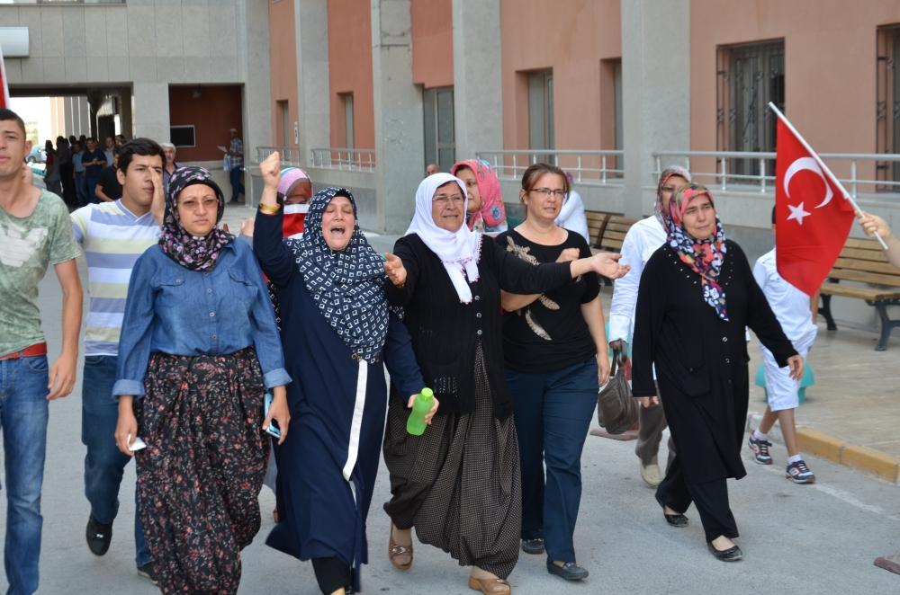 Şehit yakınlarından teröre protesto 8
