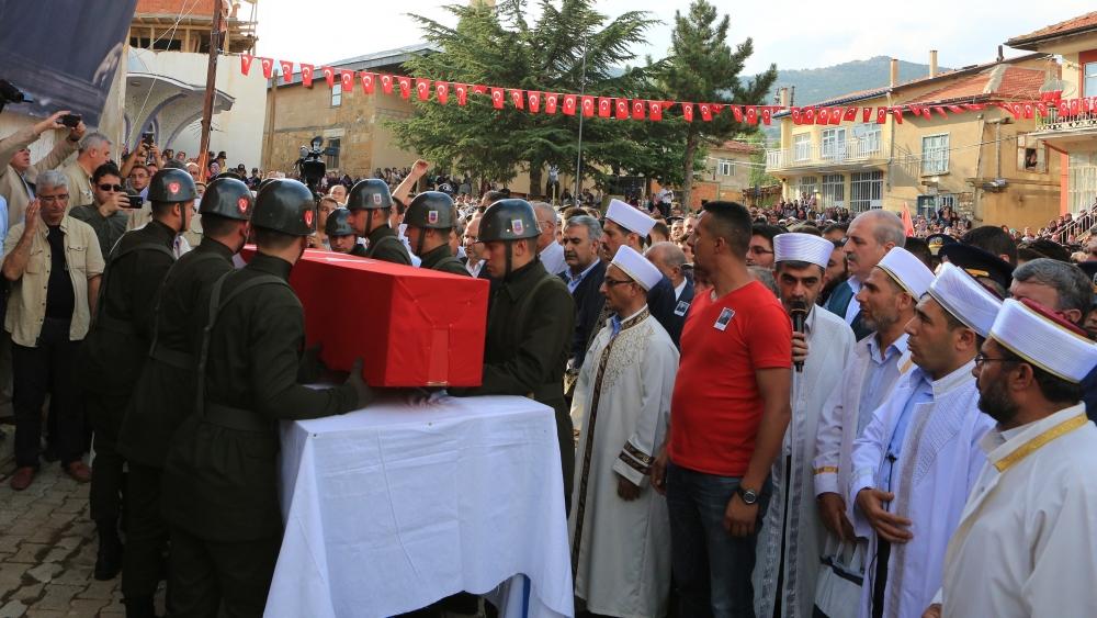 Şehit Jandarma Astsubay Üstçavuş Taştiken'e veda 11