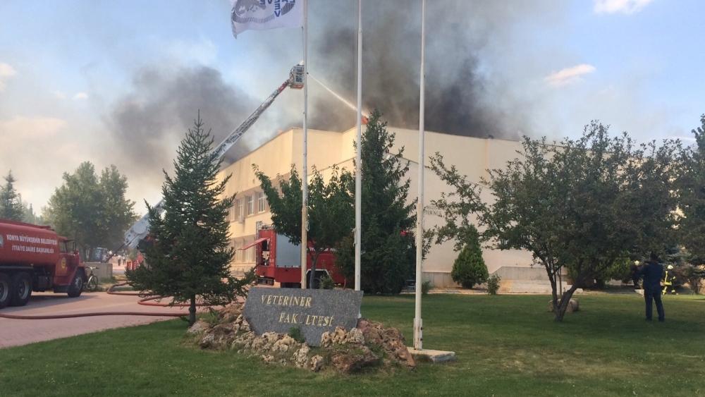 Konya'da fakülte binasında yangın 1