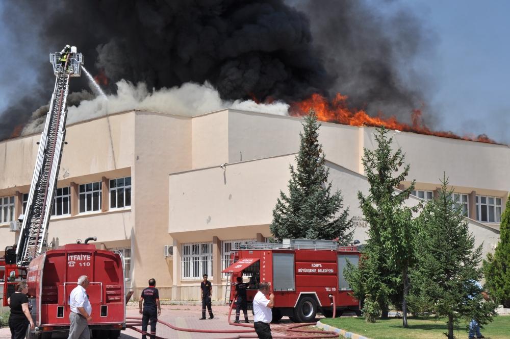 Konya'da fakülte binasında yangın 3