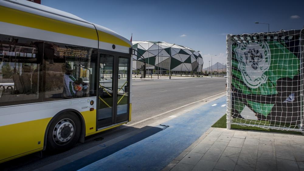 """""""Tribün""""de otobüs bekliyorlar 14"""