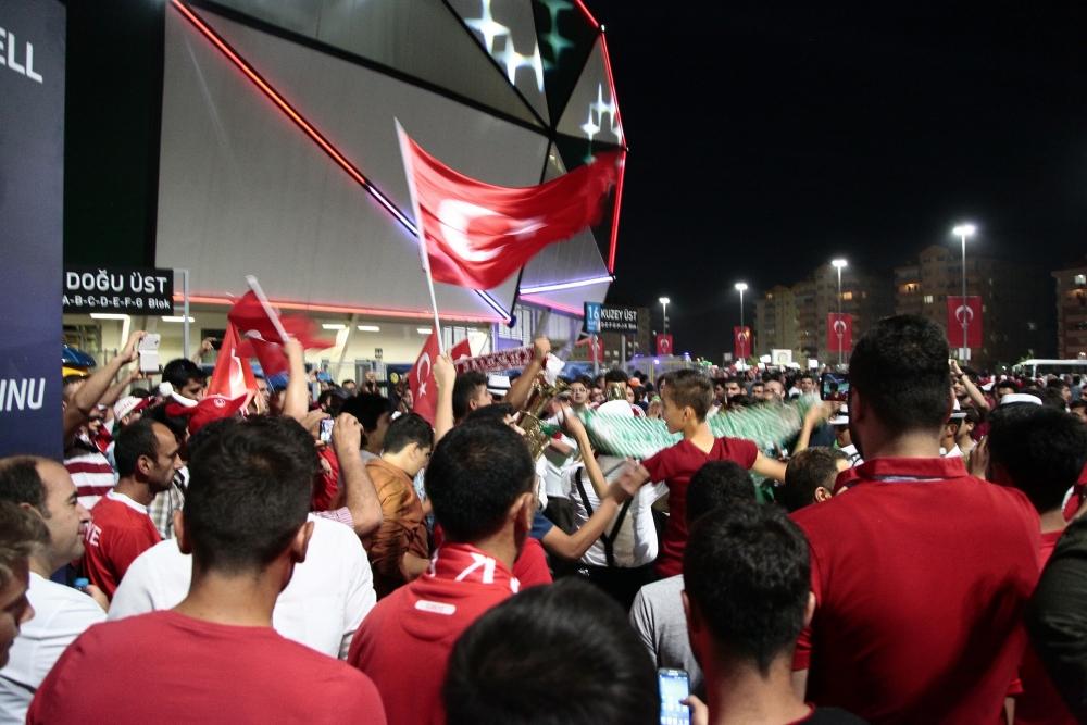 Konya'dan millilere muhteşem destek 17