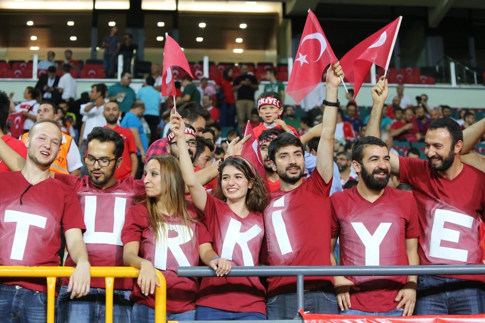 Konya'dan millilere muhteşem destek 40
