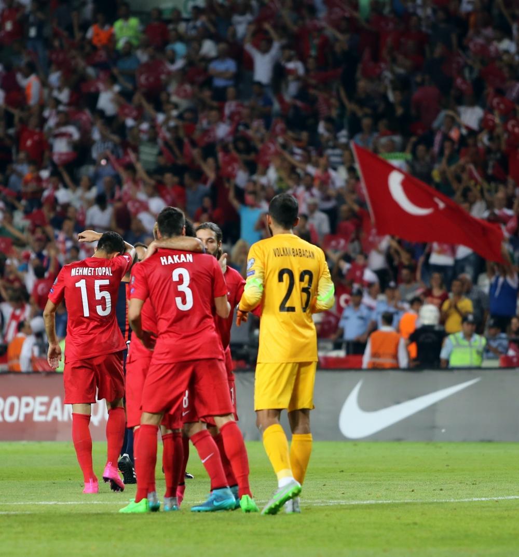 Milliler Konya'da tarih yazdı 32
