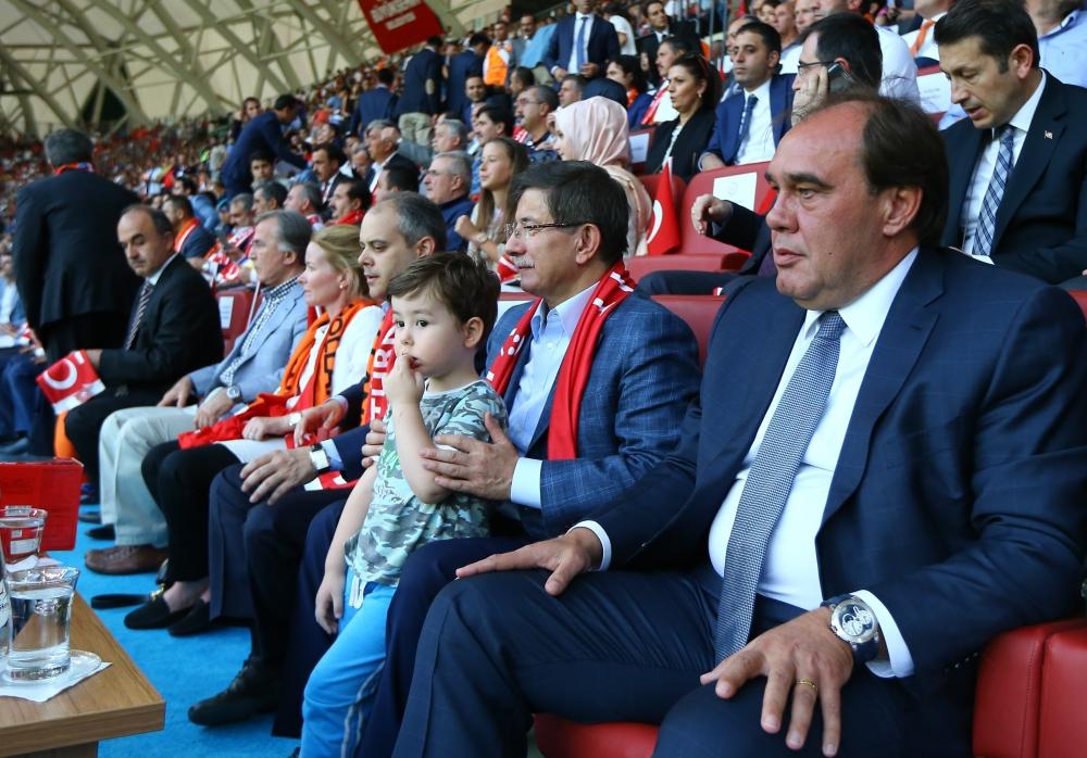 Konya'da millilere müthiş destek 1