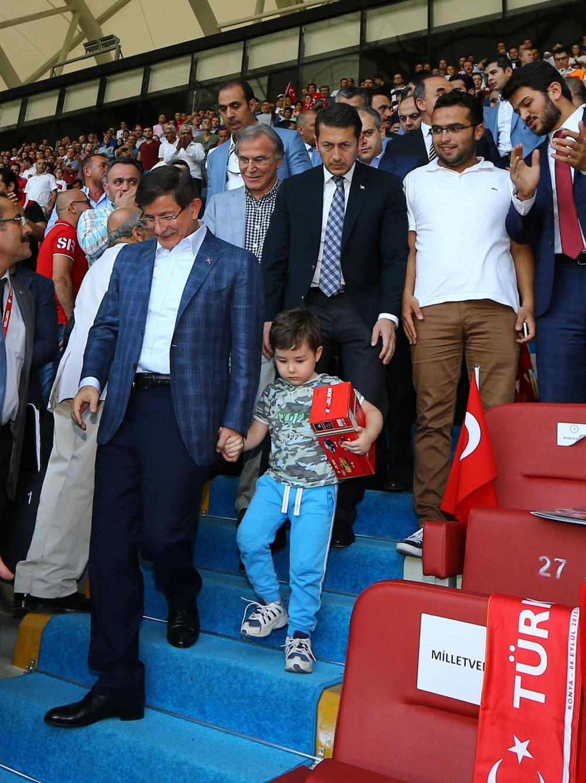 Konya'da millilere müthiş destek 18