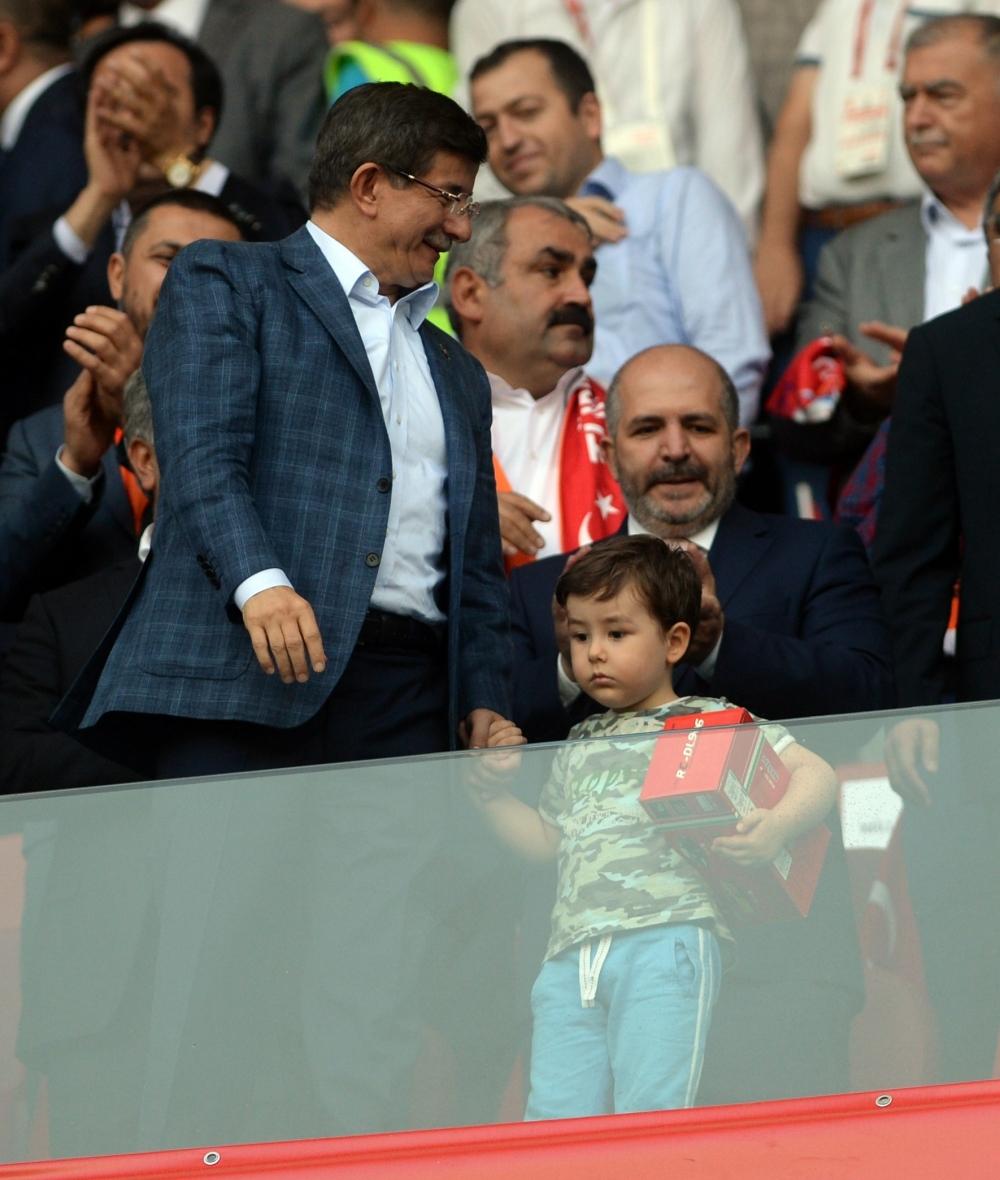 Konya'da millilere müthiş destek 23