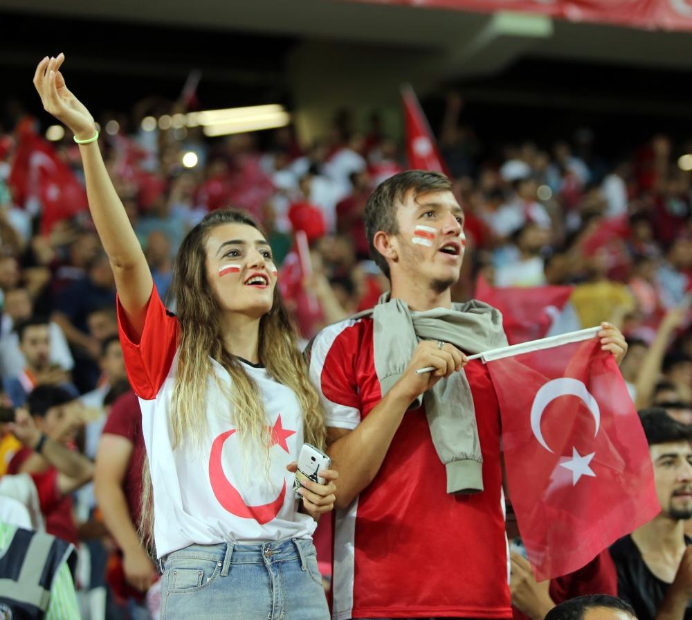 Konya'da millilere müthiş destek 29