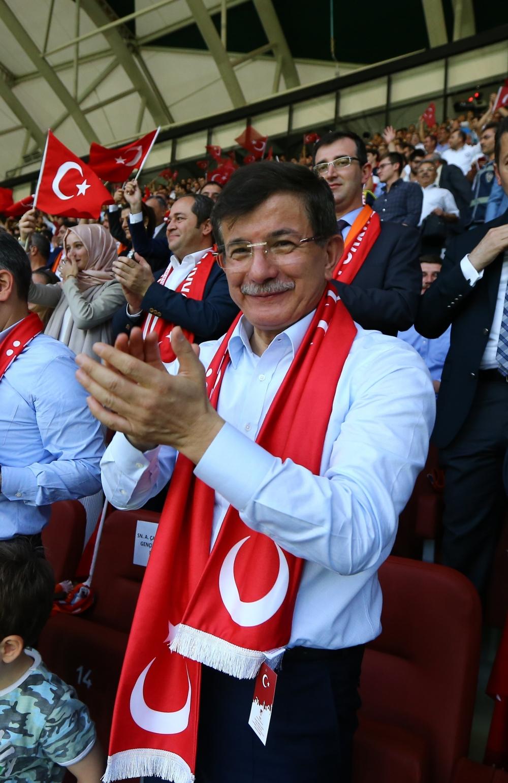 Konya'da millilere müthiş destek 4