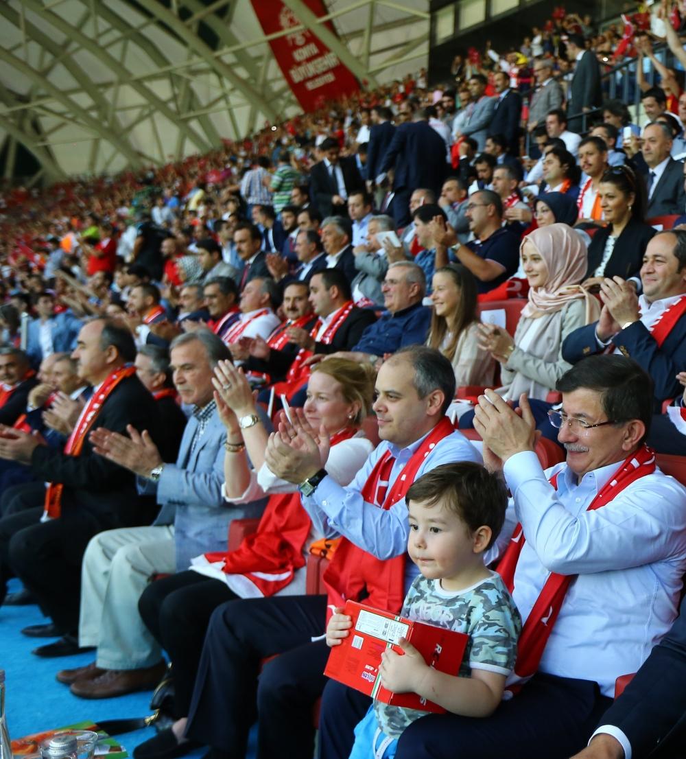 Konya'da millilere müthiş destek 5
