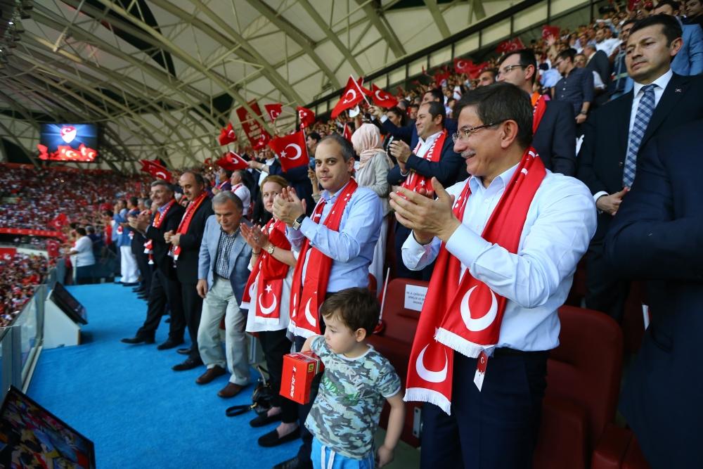 Konya'da millilere müthiş destek 6