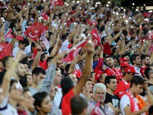 Konya'da millilere müthiş destek
