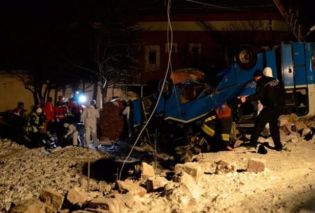 Kayseri'de öğrencileri taşıyan midibüs kaza yaptı: 11 ölü 10