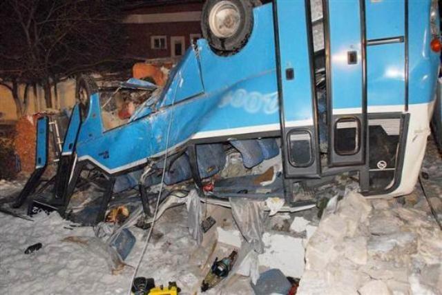 Kayseri'de öğrencileri taşıyan midibüs kaza yaptı: 11 ölü 13