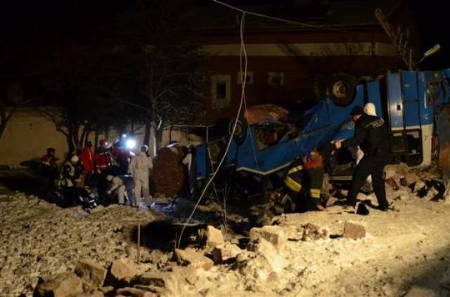 Kayseri'de öğrencileri taşıyan midibüs kaza yaptı: 11 ölü 2