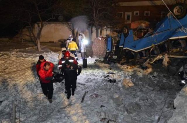 Kayseri'de öğrencileri taşıyan midibüs kaza yaptı: 11 ölü 3