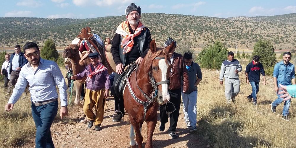 Konya'da Mazi'den Ati'ye ticaret kervanı yürüyüşü 24