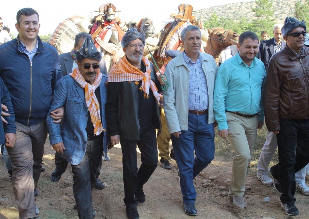 Konya'da Mazi'den Ati'ye ticaret kervanı yürüyüşü 36