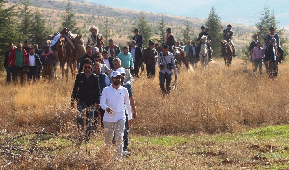 Konya'da Mazi'den Ati'ye ticaret kervanı yürüyüşü 38