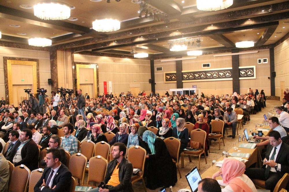 2. Uluslararası İslam Ticaret Hukuku Kongresi 24