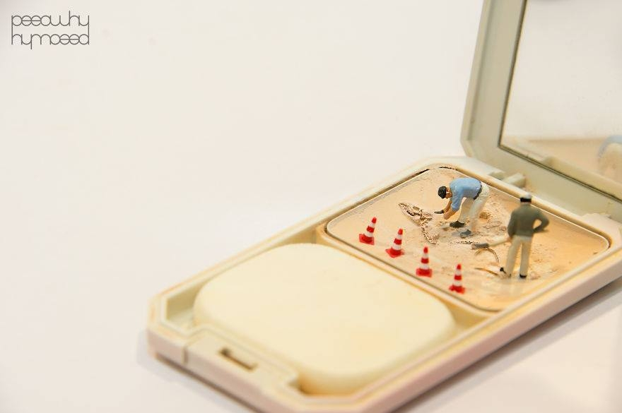 Hayatın İçine Minyatür İnsanları Yerleştiren Sanatçı 3