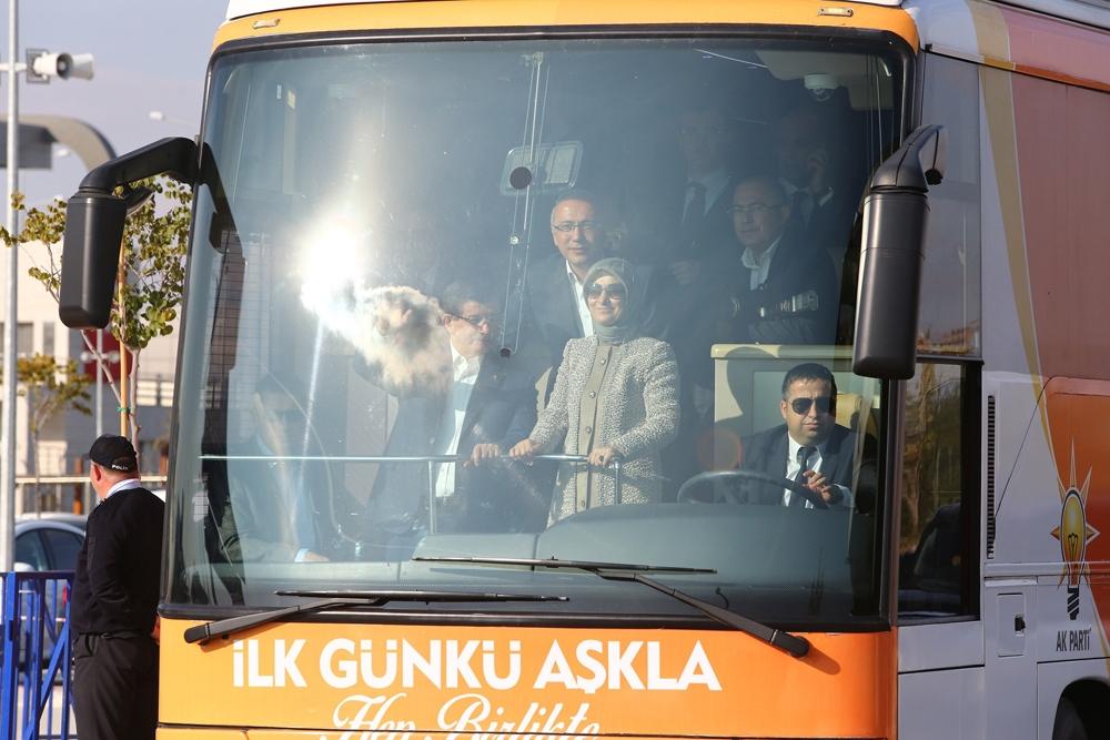 Başbakan Davutoğlu Konya'da halkı selamladı 3