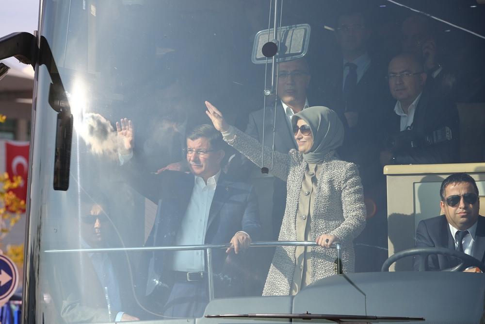 Başbakan Davutoğlu Konya'da halkı selamladı 4