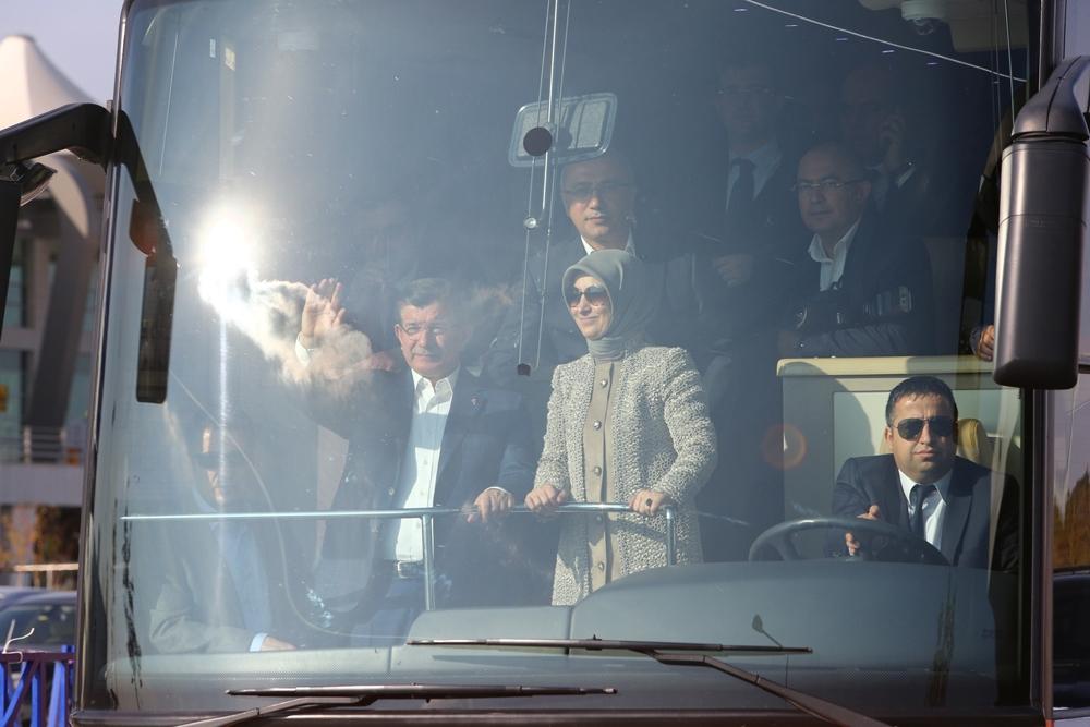 Başbakan Davutoğlu Konya'da halkı selamladı 5