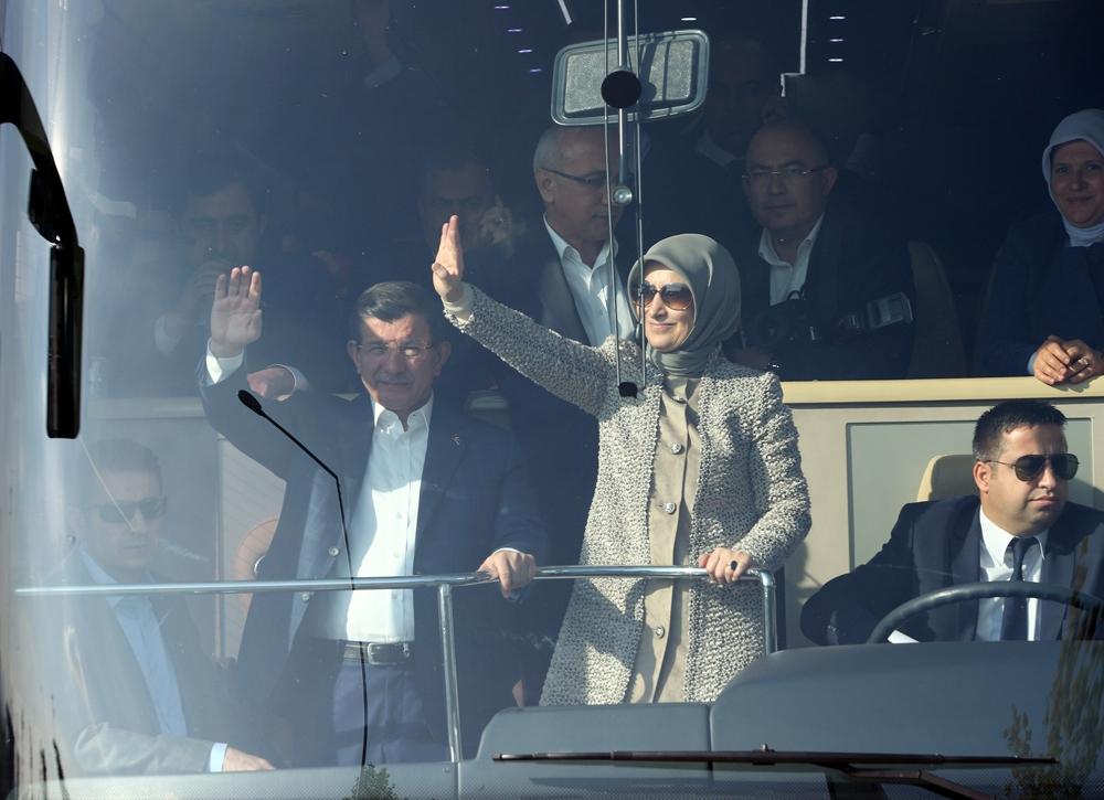 Başbakan Davutoğlu Konya'da halkı selamladı 7